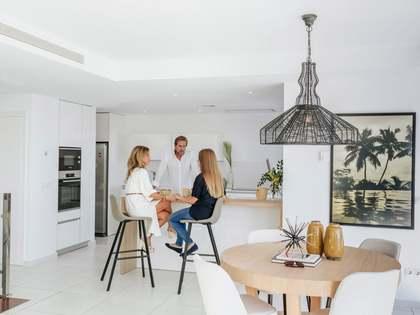 Casa / Villa de 368m² con 40m² de jardín en venta en Málaga