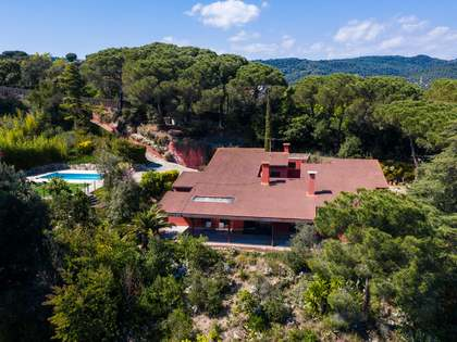 339m² House / Villa for sale in Argentona, Barcelona