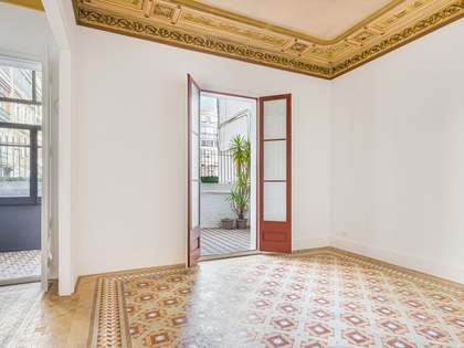 148m² Apartment with 30m² terrace for sale in Eixample Right