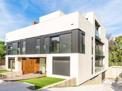 Casa de 548m² con 378m² de jardín en venta en Sant Cugat