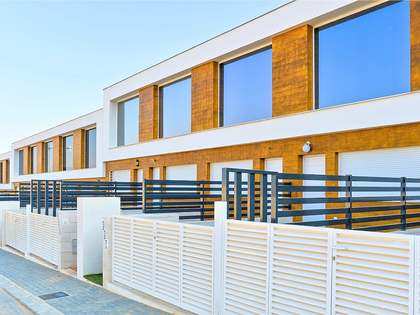 76m² House / Villa with 25m² terrace for sale in Alicante ciudad