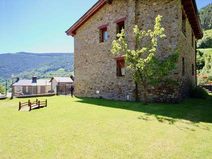 Casa de 271m² con 295m² de jardín en venta en La Massana