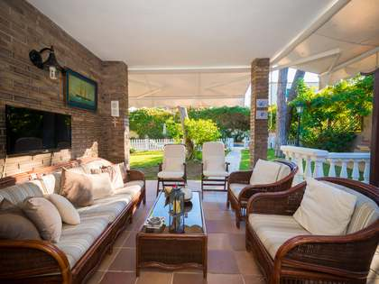 365m² House / Villa with 250m² garden for sale in Castelldefels