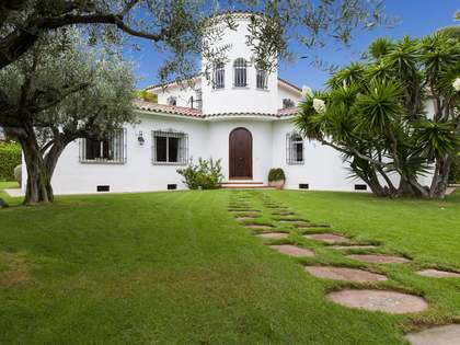 Detached 5-bedroom villa for sale in Terramar, Sitges
