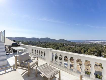140m² Apartment with 50m² terrace for sale in Santa Eulalia