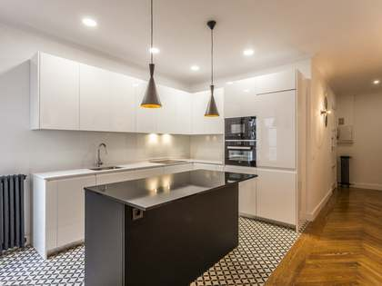 82 m² apartment for rent in Cortes / Huertas, Madrid