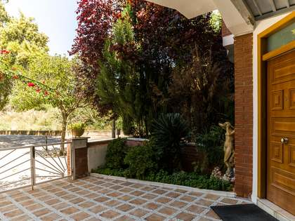 150m² House with Andalusian patio for sale in Gavà Mar