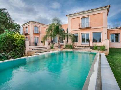 690m² House / Villa for sale in Sotogrande, Costa del Sol