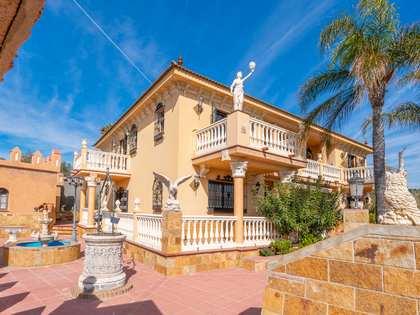 800m² House / Villa for sale in East Málaga, Málaga