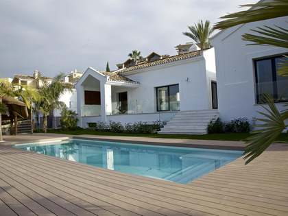 4-bedroom villa for sale in Nueva Andalucia