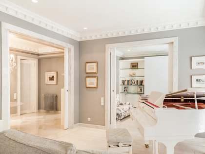 Квартира 325m², 40m² террасa на продажу в Сан Франсеск
