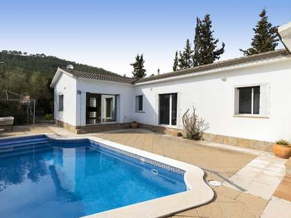 200 m² villa for sale in Olivella, Sitges