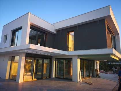 Casa / Villa de 257m² en venta en Málaga Este, Málaga
