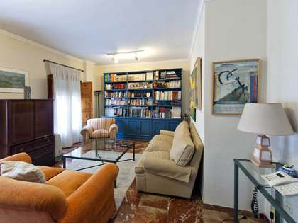 171m² Apartment for sale in Sevilla, Spain