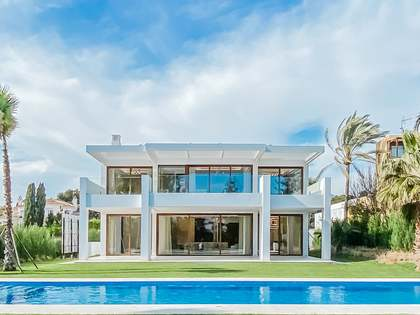 Дом / Вилла 625m² на продажу в Сан Педро де Алькантара / Гуадальмина