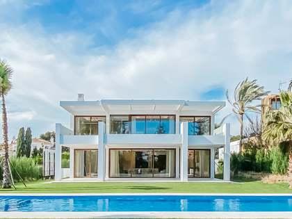 Huis / Villa van 625m² te koop in San Pedro de Alcántara / Guadalmina