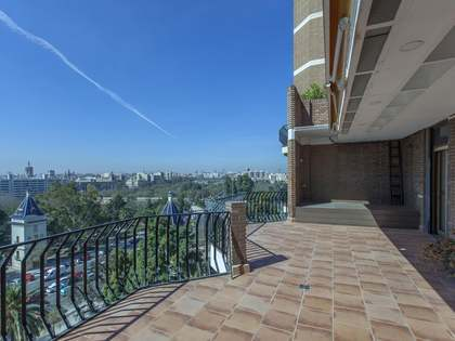 198m² Penthouse for sale in El Pla del Real, Valencia