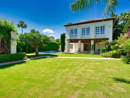 huis / villa van 276m² te koop met 800m² Tuin in Nueva Andalucía