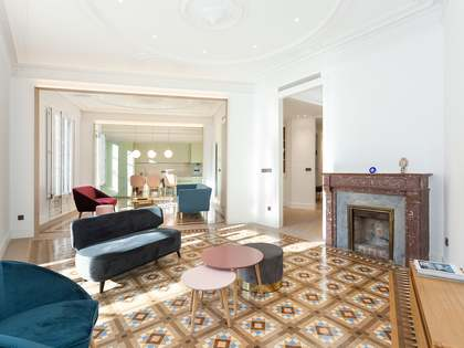 Квартира 202m², 7m² террасa на продажу в Правый Эшампле