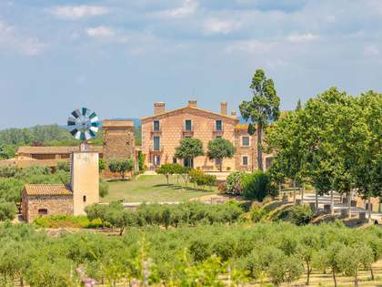 Country estate for sale in El Gironés, Girona
