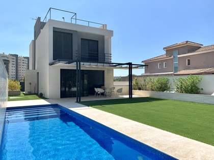 450m² House / Villa for sale in Playa San Juan, Alicante
