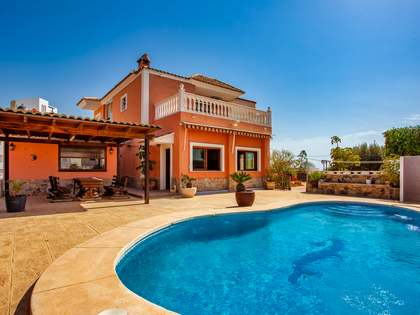 344m² House / Villa for sale in El Campello, Alicante