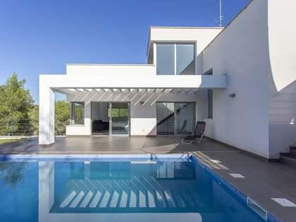 在 Sant Pere Ribes, 巴塞罗那 235m² 出售 豪宅/别墅