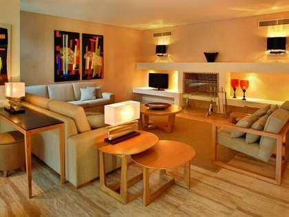 在 阿尔加维, 葡萄牙 306m² 出售 豪宅/别墅 包括 花园 2,042m²
