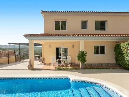 Maison / Villa de 267m² a vendre à Olivella, Barcelona