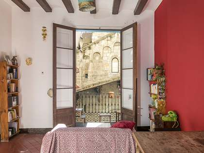 98 m² apartment to renovate for sale in the Born area