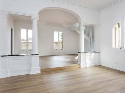 Пентхаус 170m², 80m² террасa аренда в Правый Эшампле