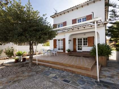 Maison / Villa de 371m² a vendre à Els Cards, Sitges