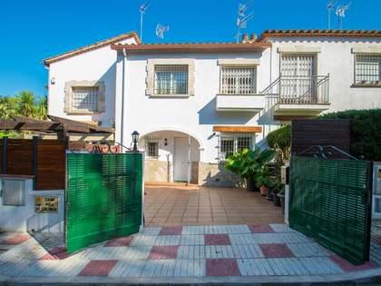 Casa / Villa di 175m² con 30m² terrazza in vendita a Platja d'Aro