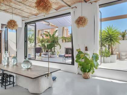 90m² Penthouse with 37m² terrace for sale in Gràcia