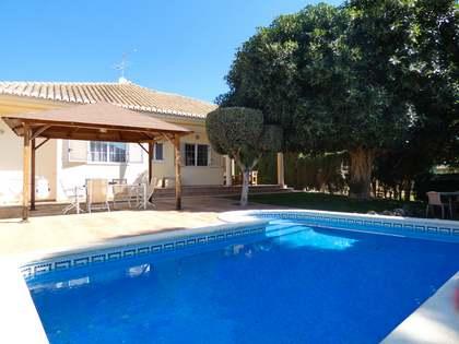 210m² House / Villa with 500m² garden for sale in Los Monasterios