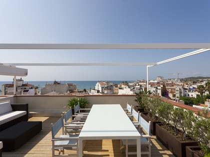 100 m² penthouse with 80m² terrace for sale in Sitges Town