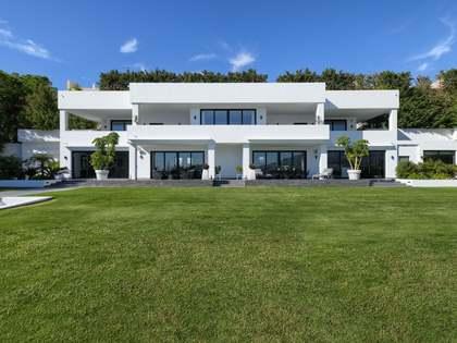 1,600m² Haus / Villa mit 3,200m² garten zum Verkauf in Nueva Andalucía