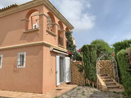 180m² Country house for sale in Alicante ciudad, Alicante