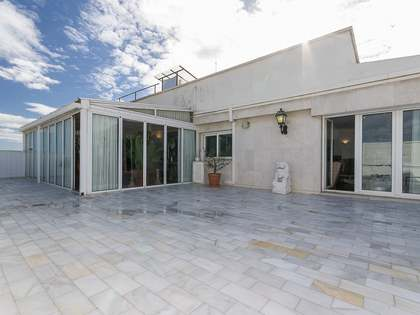 3-bedroom penthouse with a terrace for sale in El Pilar