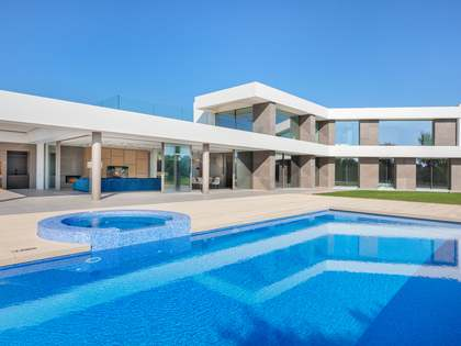 1,415m² Golf-Immobilie zum Verkauf in PGA, Girona