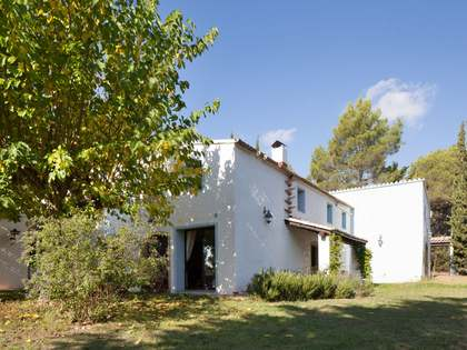 Renovated country house for sale close to Sitges, Barcelona