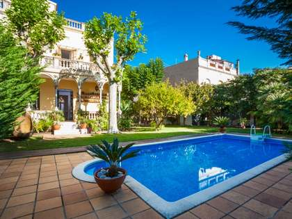 5-bedroom house to rent with a garden and pool in Argentona