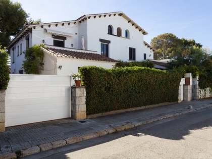 House with a tourist licence for sale in Vinyet, Sitges