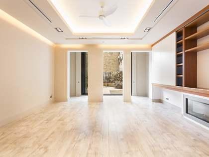 Apartamento de 112 m² con terraza en alquiler en Eixample