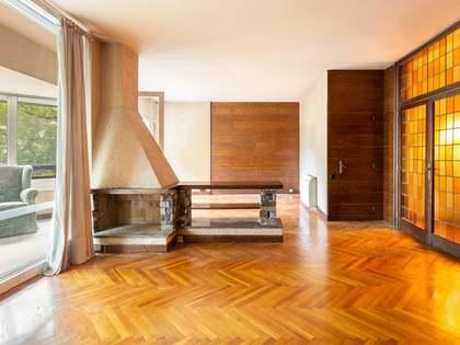 在 Turo公园, 巴塞罗那 211m² 出售 房子 包括 20m² 露台