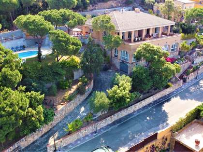 640m² House / Villa for sale in Santa Cristina, Costa Brava