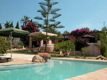 4-bedroom house with a pool to buy near Santa Eulalia, Ibiza