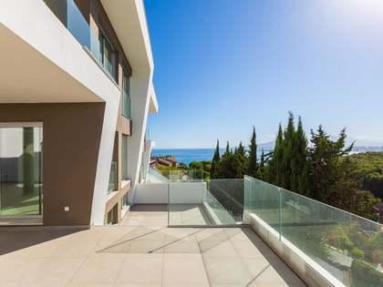 Huis / Villa van 400m² te koop met 25m² terras in East Málaga