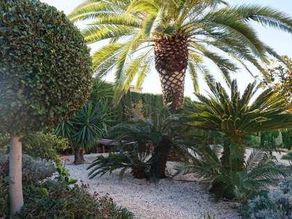 Classic 6-bedroom villa for sale in Monasterios, Valencia