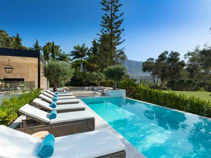 995m² House / Villa with 219m² terrace for sale in Nueva Andalucía
